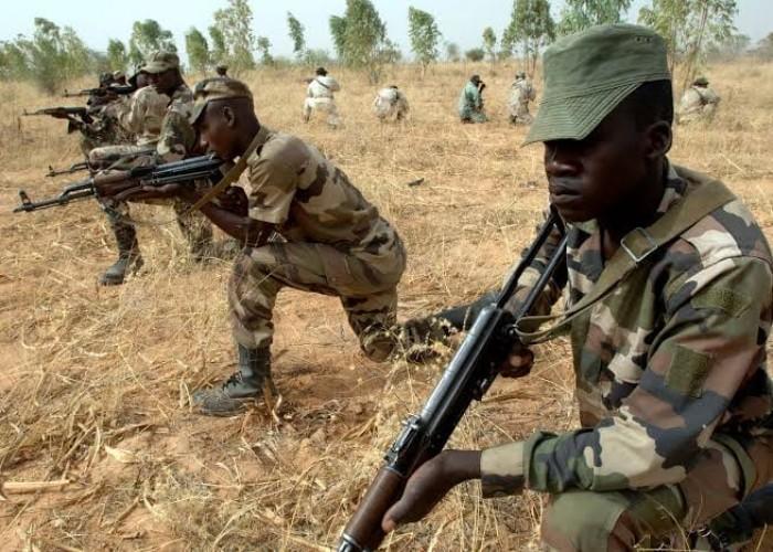 عزل قائد الجيش بالنيجر بعد هجومين دمويين للمتشددين