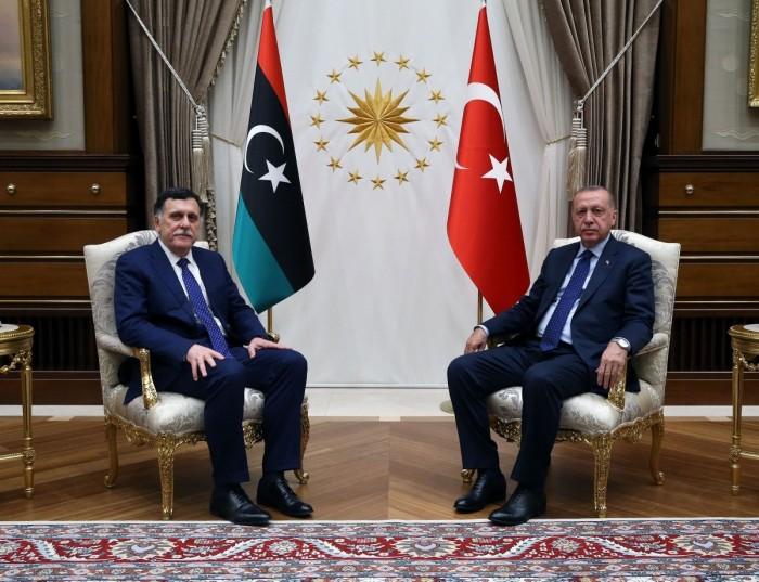 """اليونان: اتفاق تركيا وحكومة الوفاق بشأن """"الحدود"""" غير شرعي"""