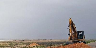 بدعم إماراتي.. انطلاق أعمال توصيل الكهرباء لمناطق غرب سقطرى