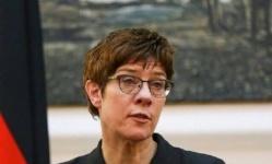في زيارة غير معلنة.. وصول وزيرة الدفاع الألمانية إلى العراق