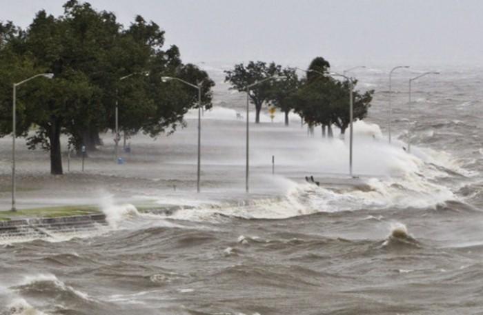 عواصف رعدية وأمطار غزيرة تجتاح أستراليا