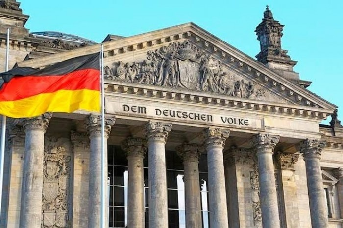 توقعات.. التباطؤ يجتاح الاقتصاد الأوروبي وألمانيا تواجه أكبر تعثر صناعي