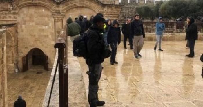 الخارجية الفلسطينية تدين اقتحام قوات الاحتلال الإسرائيلي للمسجد الأقصى فجرا