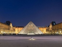 للمرة الأولى منذ بدء الاحتجاجات الفرنسية.. متظاهرون يغلقون متحف اللوفر