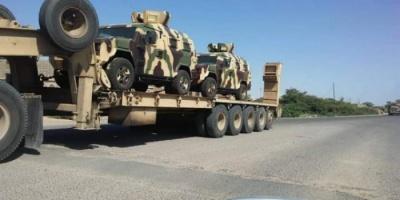 التحالف العربي يدفع بتعزيزات إلى عدن (صور وفيديو)