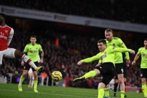 أرسنال يسقط في فخ التعادل أمام شيفيلد يونايتد