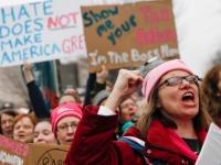 مسيرة نسائية تخرج في شوارع أمريكا ضد ترامب