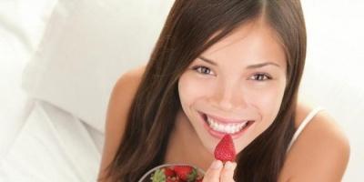 للتخلص من الوزن الزائد.. عليك بتناول الفراولة
