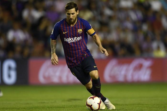 كيكي سيتين يعلن تشكيل برشلونة في أول مباراة له مع الفريق