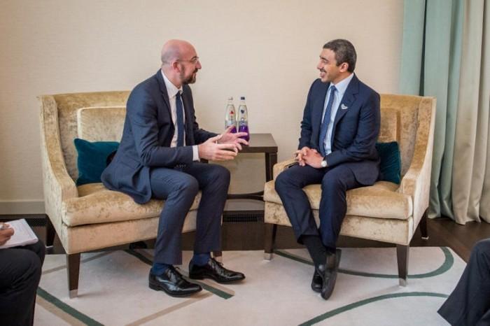 عبدالله بن زايد يبحث مع رئيس المجلس الأوروبي التعاون المشترك
