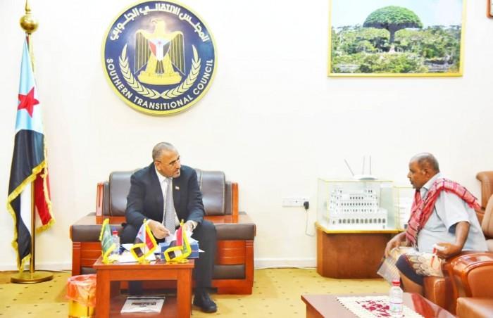 الرئيس الزُبيدي: تضحيات الشهيد وضاح مصدر فخر لشعب الجنوب