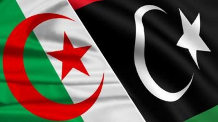 الجزائر ترسل 100 طن مواد غذائية وأدوية إلى ليبيا