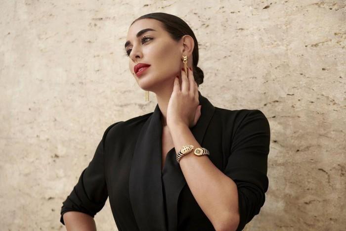 ياسمين صبري تستعرض مع جمهورها هدايا عيد ميلادها (صور)
