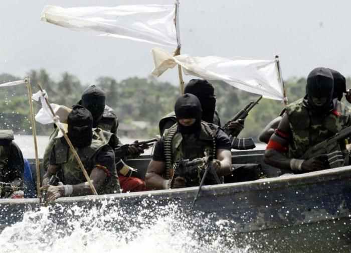 إطلاق سراح البحارة الثمانية اليونانيين المختطفين بالقرب من سواحل الكاميرون