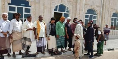 بعد رحلة علاج..استقبال حاشد لرئيس انتقالي سقطرى وقائد الحزام الأمني (صور)