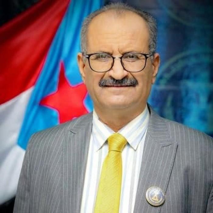 """الجعدي يعلق على تسليم مواقع جديدة للحوثيين.. ويصفها بـ """"الفرقعة الإعلامية"""""""