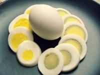رغم فوائده المهمة.. احذر من أضرار البيض