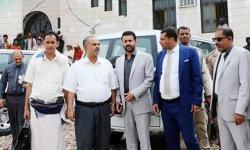 لتيسير تنقلات القضاة.. سيارات دفع رباعي من الإمارات لمحكمة سقطرى