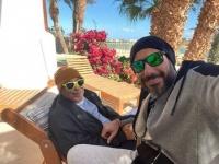 أحمد صلاح السعدني يشارك جمهوره بصورة جديدة بصحبة والده