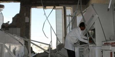 إرهاب المليشيات ضد المستشفيات.. قذائف حوثية تنسف الإنسانية