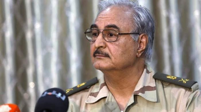 العمري يُطالب شعب ليبيا بمساندة المشير حفتر