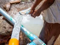 مشروع لتوصيل المياه إلى اسفل شطان بلحج