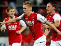 الكمار يهزم هيرنفين ويواصل مطاردة أياكس في الدوري الهولندي
