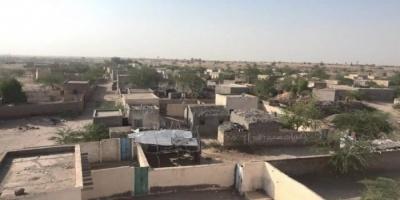 بقذائف بي 10.. مليشيا الحوثي تقصف المدنيين في حيس