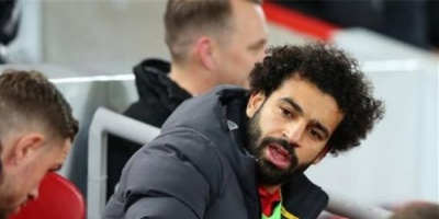 صلاح على مقاعد بدلاء ليفربول في مواجهة شروزبري بالكأس
