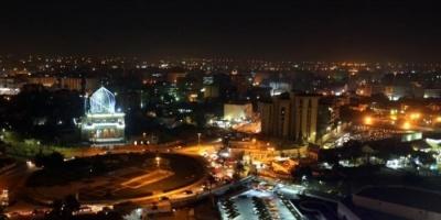 5 صواريخ تستهدف محيط السفارة الأمريكية في بغداد