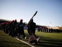 """مليشيا الحوثي تمنح مئات """"الزينبيات"""" رتبا عسكرية"""