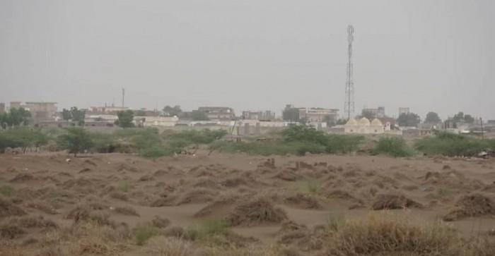 هلع بين أهالي التحيتا بسبب القصف الحوثي