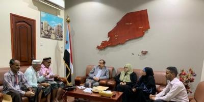 المجلس الانتقالي يؤيد مطالب نقابة المعلمين التربويين الجنوبيين