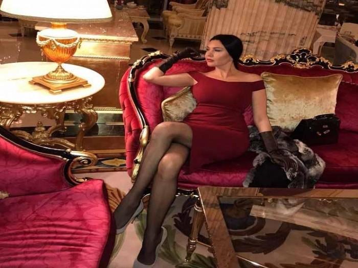 لاميتا فرنجية جذابة في أحدث جلسة تصوير