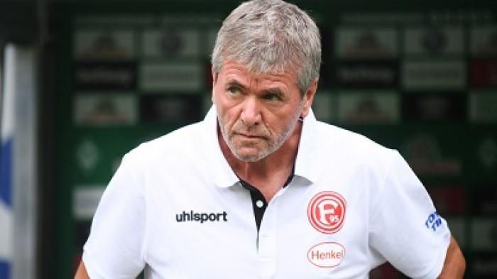 فورتونا دوسلدروف يفسخ عقد مدربه فونكل
