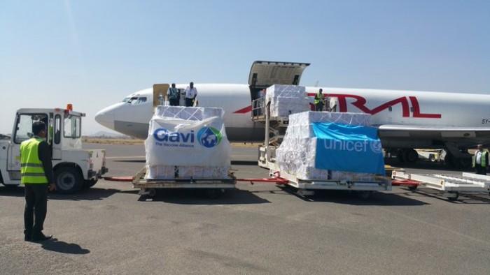 """""""يونيسف"""": وصول 11 طن لقاحات إلى مطار صنعاء"""