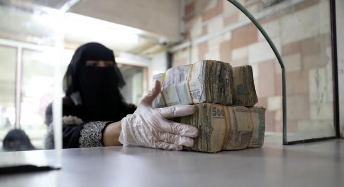 الحوثيون والعملة.. تحذير دولي من الانهيار الاقتصادي