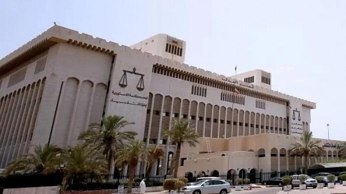 الكويت تسلم إيران 19 سجينا لاستكمال عقوبتهم في بلادهم