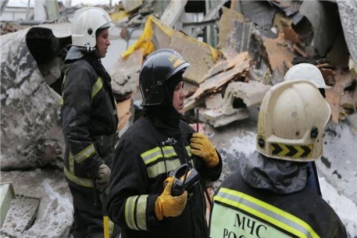انهيار سقف مقهى في مدينة روسية وأنباء عن سقوط مصابين