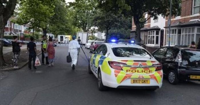 الشرطة البريطانية تطلق النار على رجل طعن سيدة جنوب لندن