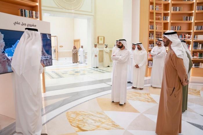 بالصور.. حاكم دبي ومحمد بن زايد يشهدان توقيع اتفاقية بين شركتي أدنوك ودوساب