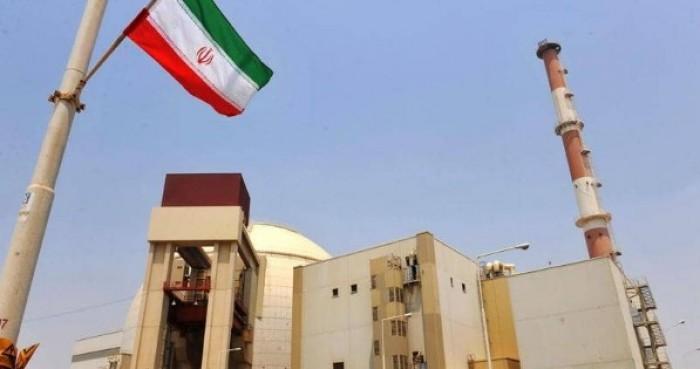 إعلامي: إيران اقتربت من الاستسلام في الملف النووي
