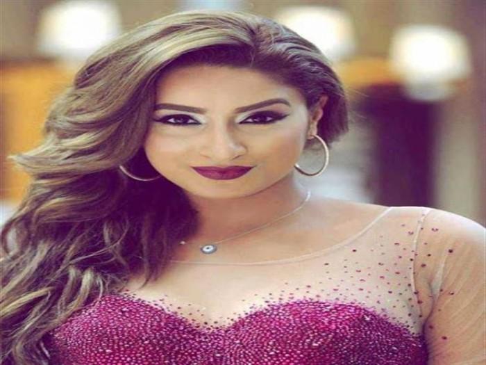 المذيعة جوري بكر تقف أمام محمد رمضان في أول عمل فني لها