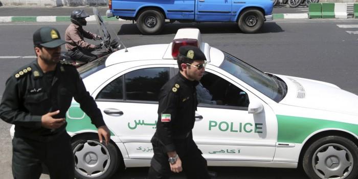 إيران.. 5 سنوات سجنًا لـ3 ناشطات معارضات للحجاب القصري