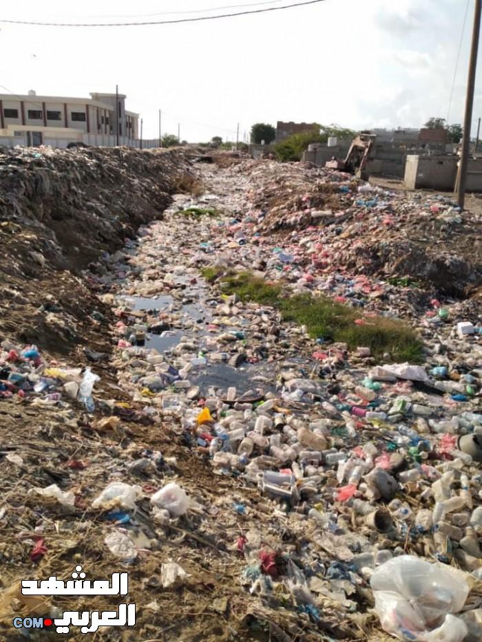 شكوى جماعية من انتشار القمامة في جعار (صور)