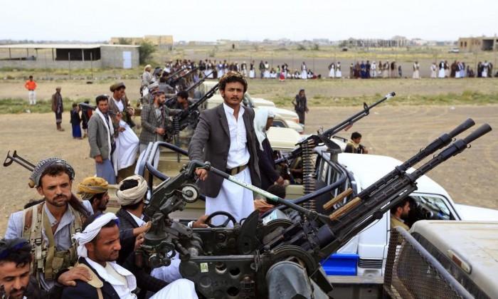 """جنون الحوثي.. رصاص المليشيات ينهال على """"منازل التحيتا"""""""
