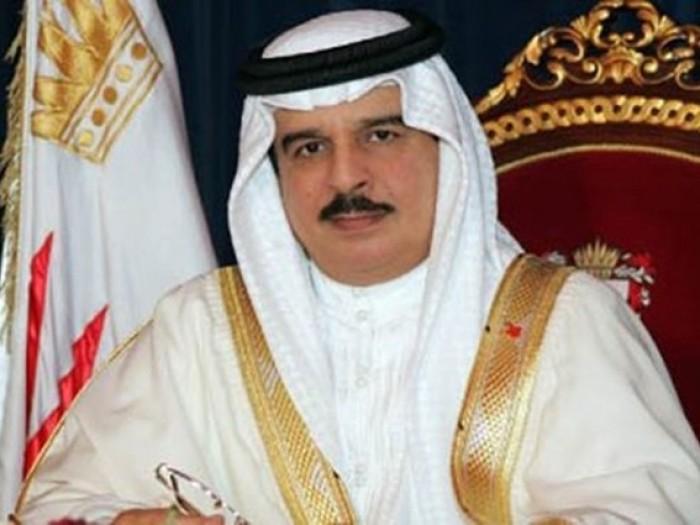 ملك البحرين يرسل برقية تهنئة إلى الملكة إليزابيث بمناسبة ذکری اعتلاءها العرش
