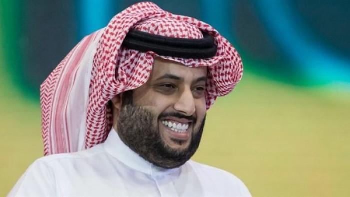 تركي آل الشيخ يطمئن محبيه بتغريدة