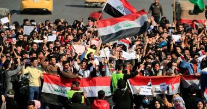 متظاهرون عراقيون يدعون لتنظيم مسيرة مليونية وطرد ممثلي الأحزاب