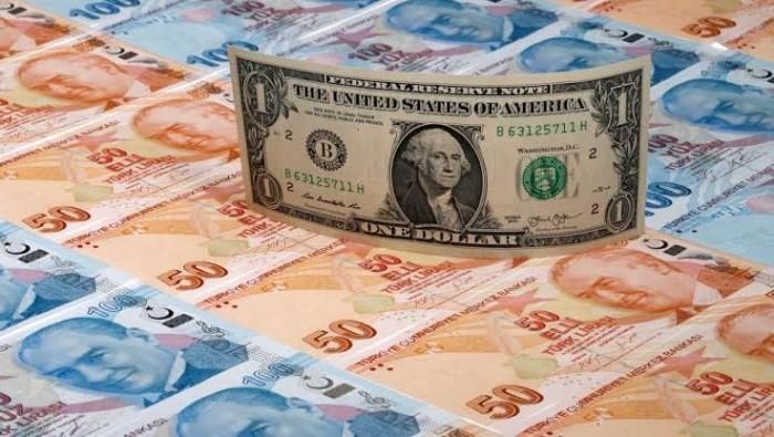 الليرة التركية تصاب بهبوط حاد أمام الدولار وتسجل أدنى مستوى في 8 أشهر